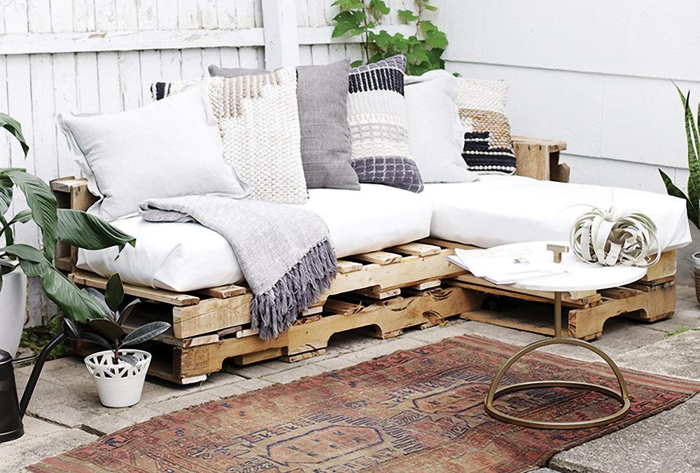 Créer son salon de jardin avec des palettes !